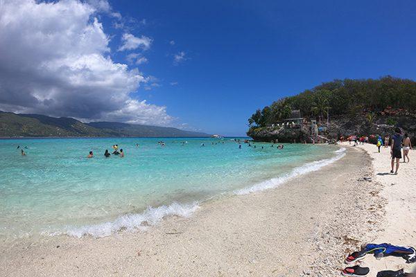 セブ島留学スクールトリップで訪れたスミロン島